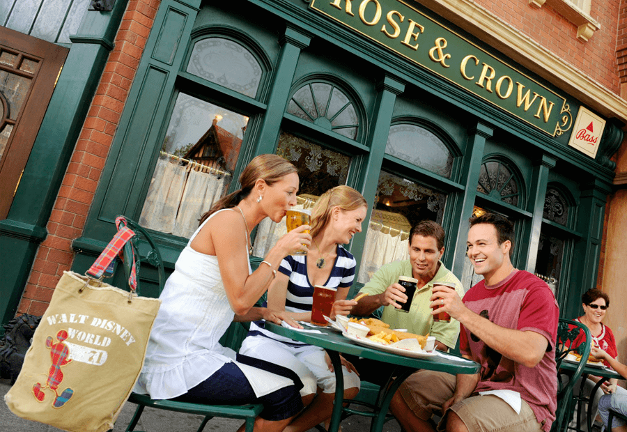 Comiendo en Rose & Crown en Epcot