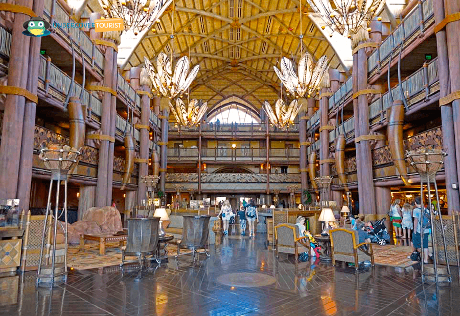El lobby del Animal Kingdom Lodge en Disney Orlando